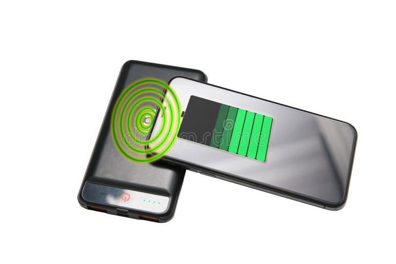 Het aanleidinggevende laden van smartphone, mobiele telefoon snelle lading stock foto