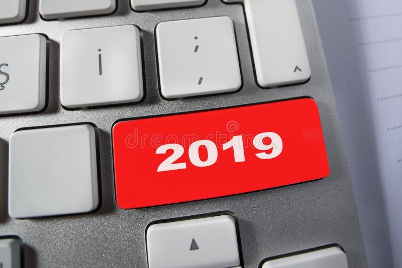 het aantal van 2019 op computertoetsenbord royalty-vrije stock afbeeldingen