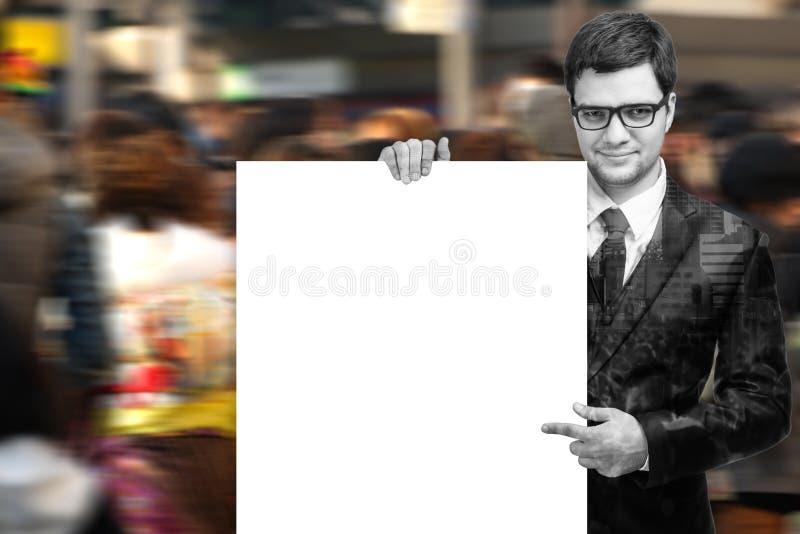 Het aantrekkelijke Teken van de Holding van de Mens Lege Witte royalty-vrije stock foto