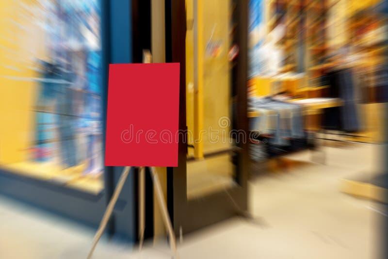 Het abstracte aanplakbord van de onduidelijk beeldverkoop royalty-vrije stock fotografie