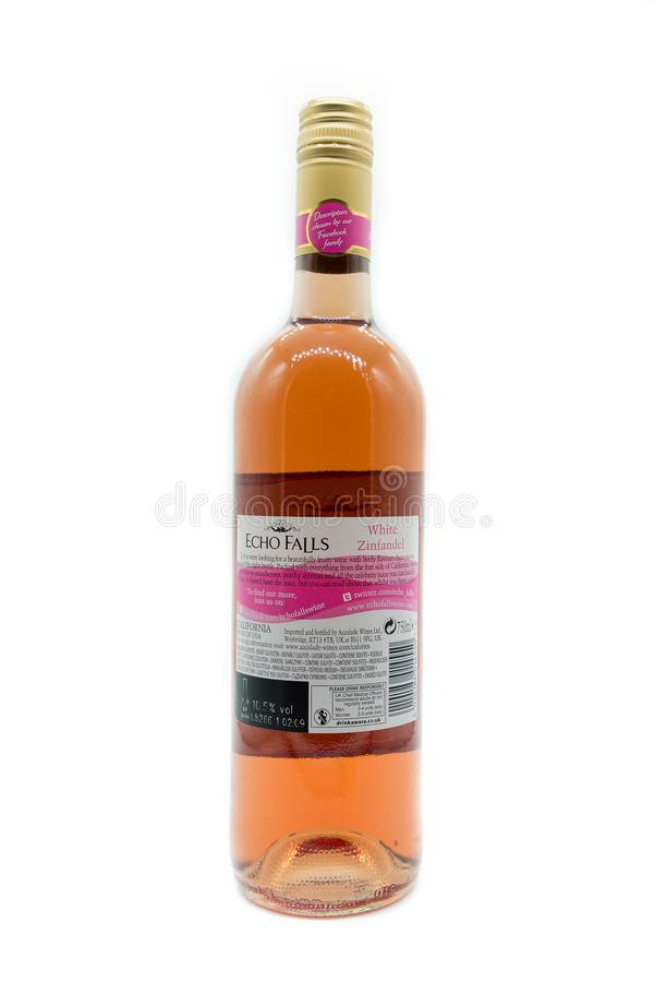 Het Achteretiket van een Fles van Echo Falls White Zinfandel Wine royalty-vrije stock afbeelding