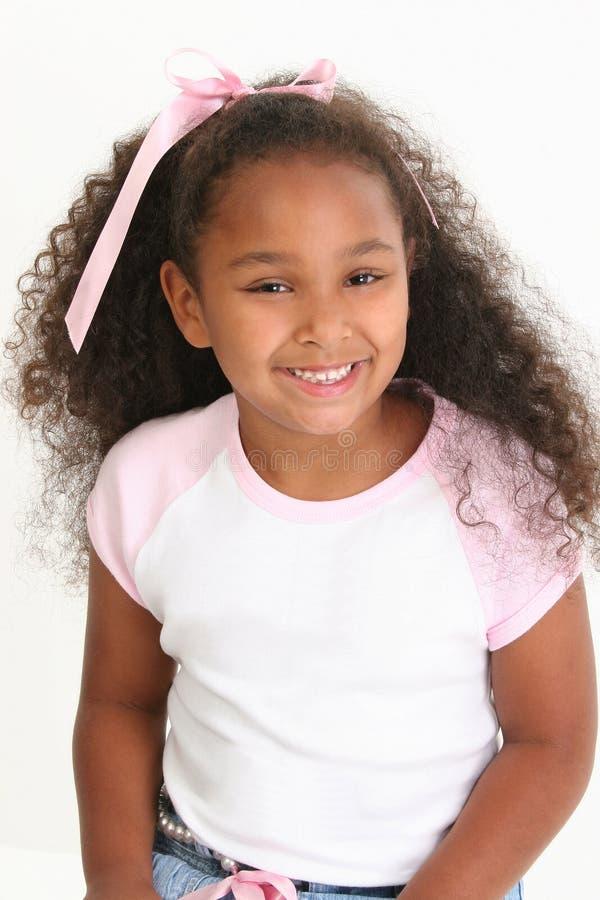 Het Afrikaanse Amerikaanse Glimlachen van het Meisje stock foto