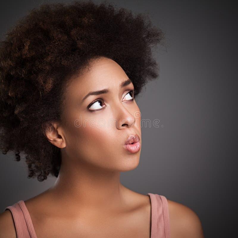 Het Afrikaanse Vrouw Fluiten stock foto