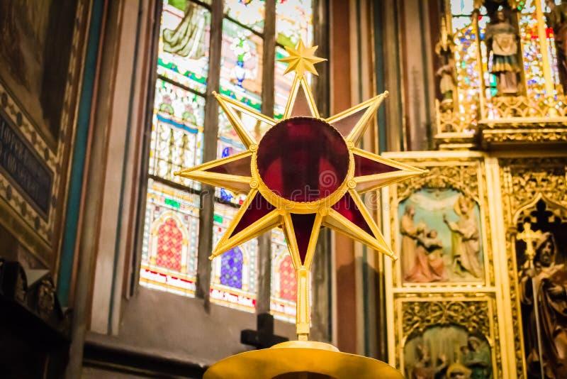 Het altaar van heilige Vitus Cathedral stock foto's