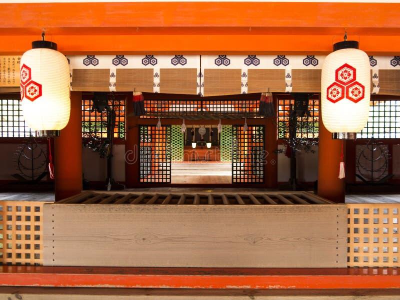 Het altaar van het Itsukushimaheiligdom, Miyajima stock foto's