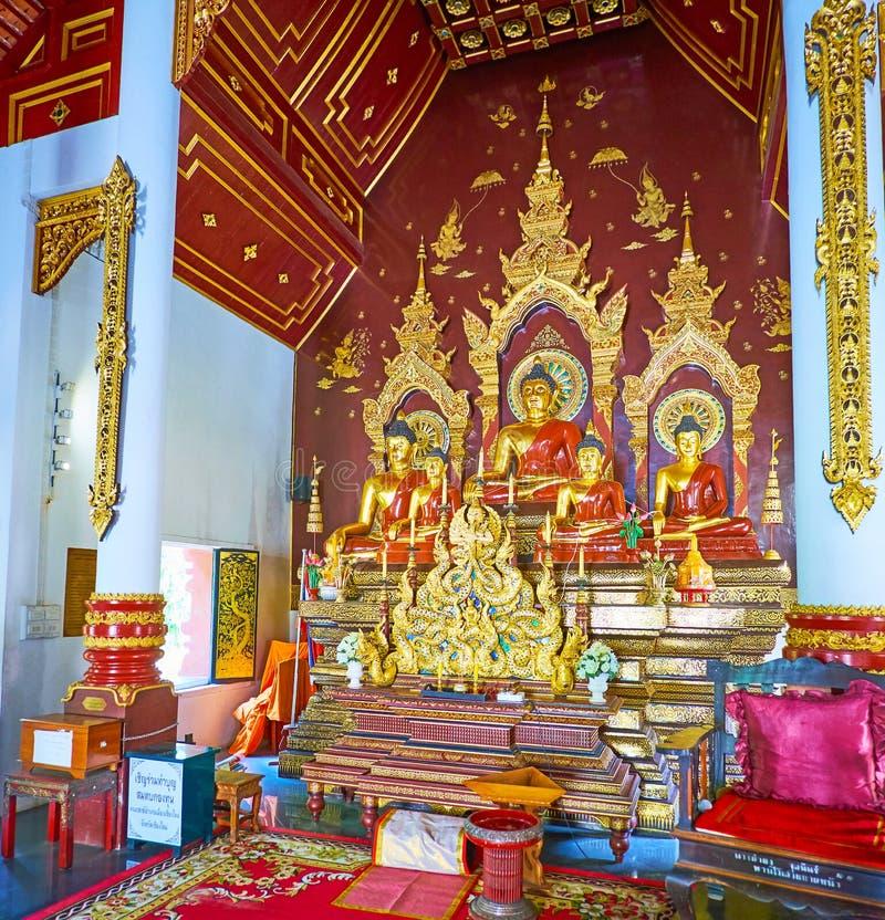 Het altaar van Wat Chang Taem, Chiang Mai, Thailand royalty-vrije stock afbeelding