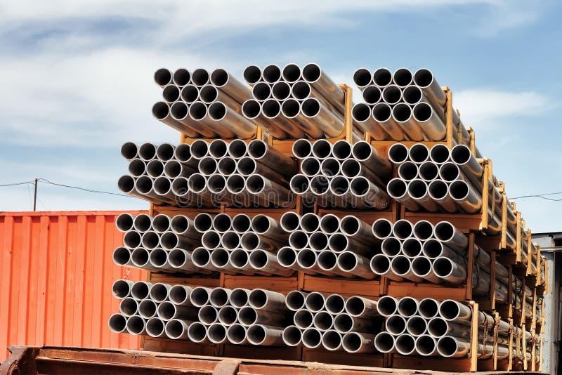 Het aluminium van buizen. stock afbeeldingen