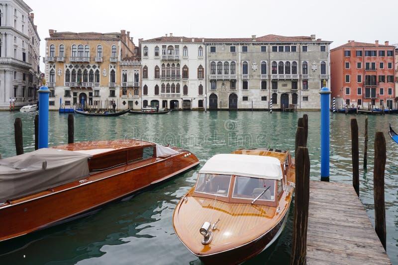 Het Aman Canal Grande-hotel in Palazzo Papadopoli in Venetië wordt gevestigd dat royalty-vrije stock afbeeldingen