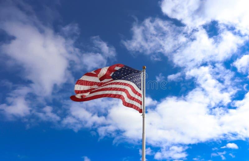 Het Amerikaanse Golven van de Vlag royalty-vrije stock fotografie