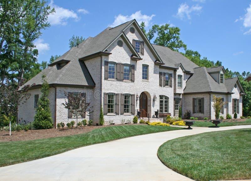 Het amerikaanse huis van de luxe royalty vrije stock foto 39 s afbeelding 2541868 - Foto van eigentijds huis ...