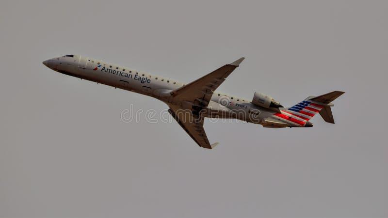 Het Amerikaanse opstijgen van Eagle Airlines crj-900ER stock afbeelding