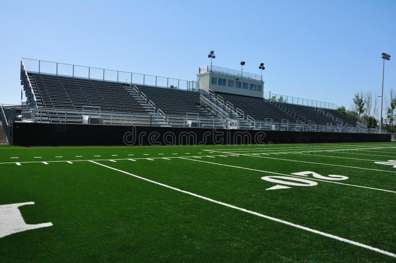Het Amerikaanse Stadion van de Voetbal van de Middelbare school stock foto's
