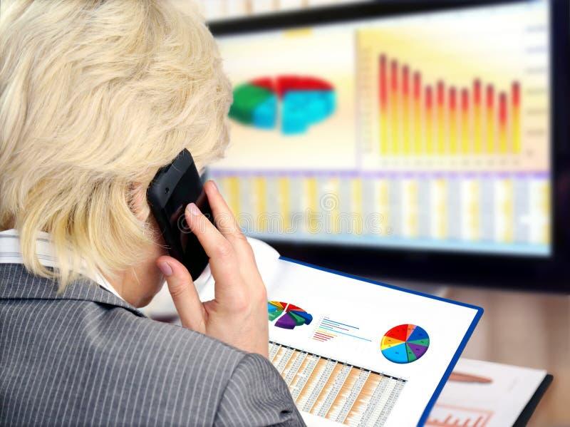 Het analyseren van gegevens. stock afbeelding