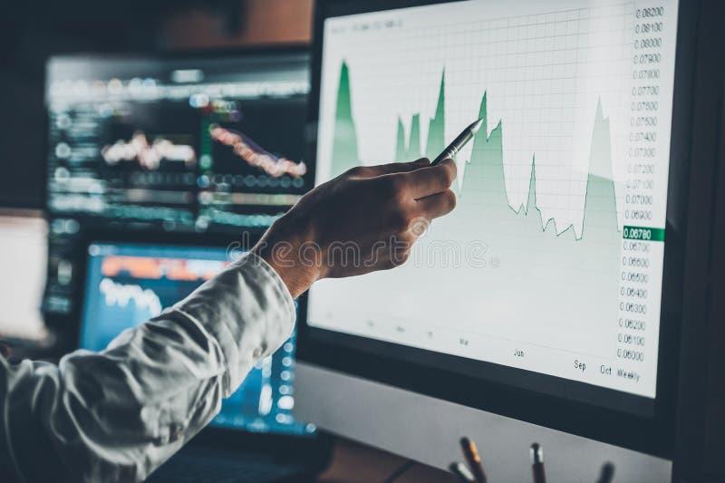 Het analyseren van gegevens royalty-vrije stock foto's