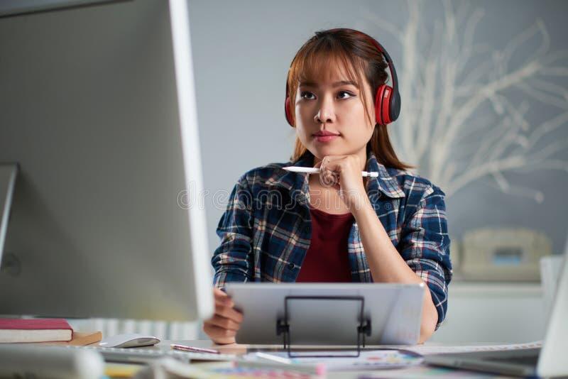Het analyseren van het Werkresultaten stock foto's