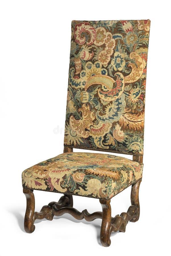 Het antieke vroege hoog behandelde tapijtwerk steunde stoel op witte backgr royalty-vrije stock foto's
