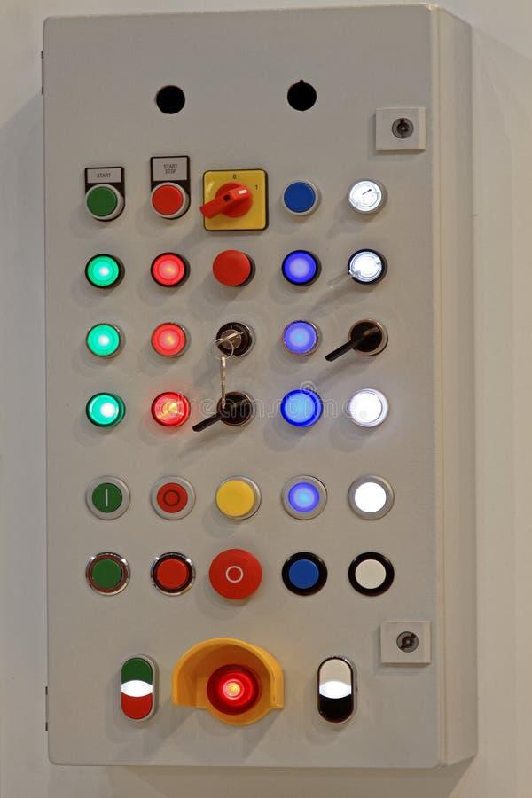 Het apparaat van gegevensinput voor werktuigmachines met digitaal beheer stock illustratie