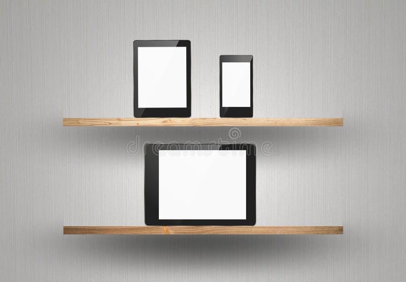 Het apparaat van het aanrakingsscherm op houten plank stock foto