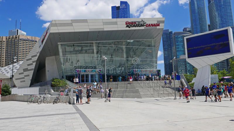 Het Aquarium van Ripley in Toronto Van de binnenstad wordt gevestigd naast de CN Toren en Rogers Centre 7-25-2018 royalty-vrije stock fotografie