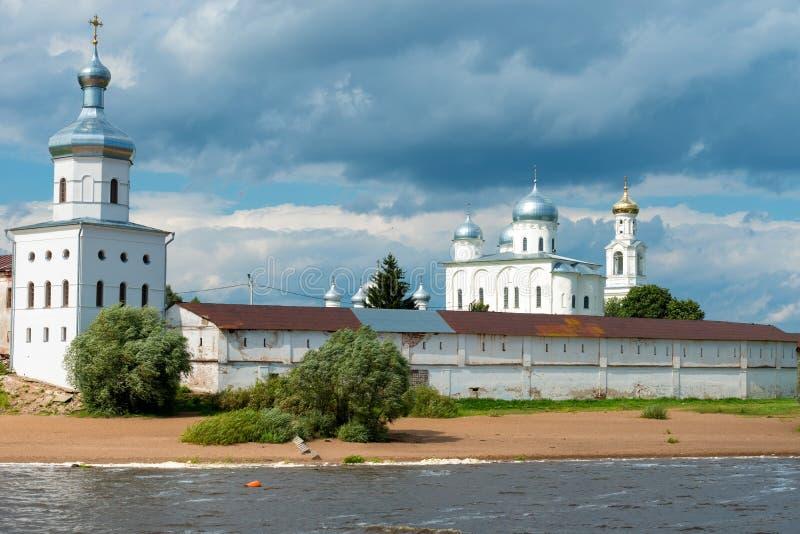 Het architecturale ensemble van het St George ` s Yuriev Klooster stock afbeeldingen