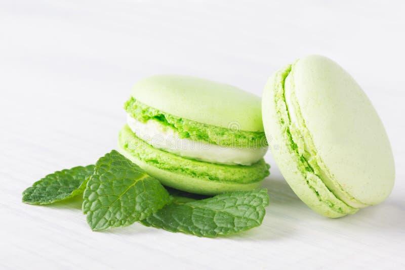 Het aroma van de koekjesmunt ligt op de lijst, close-up stock afbeelding