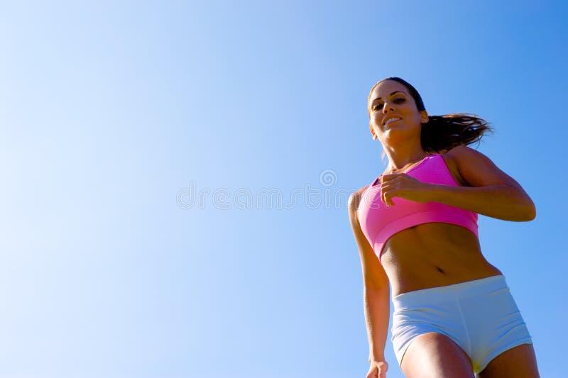 Download Het Atletische Uitoefenen Van De Vrouw Stock Foto - Afbeelding bestaande uit pasvorm, buitenkant: 10784092