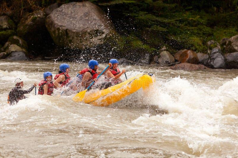 Het Avontuur van Rafting van de Whitewaterrivier royalty-vrije stock foto