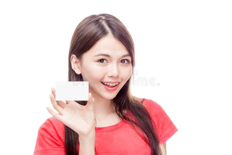 Het Aziatische adreskaartje van de vrouwenholding stock afbeeldingen
