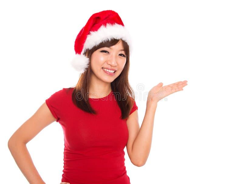 Het Aziatische de vrouw van Kerstmis voorstellen royalty-vrije stock afbeelding