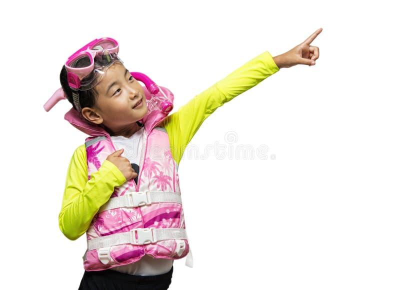Het Aziatische meisje die een reddingsvest dragen en snorkelt reeks stock foto