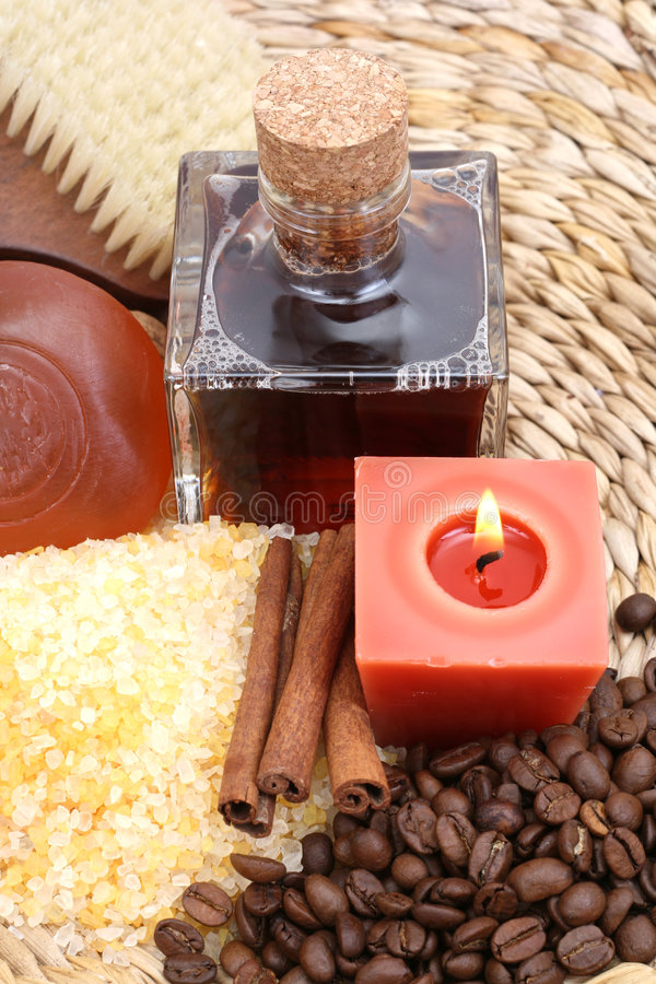 Het bad van de koffie en van de kaneel royalty-vrije stock afbeelding