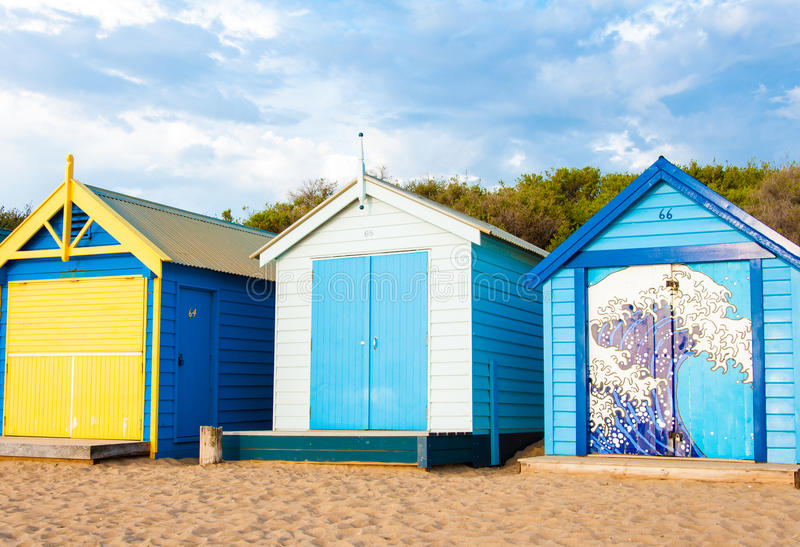 Het baden van dozen in Brighton Beach, Australië stock foto