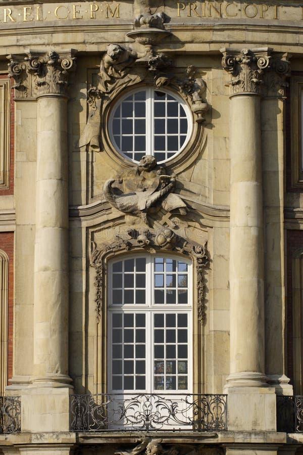 Het balkon van het kasteel. royalty-vrije stock afbeelding