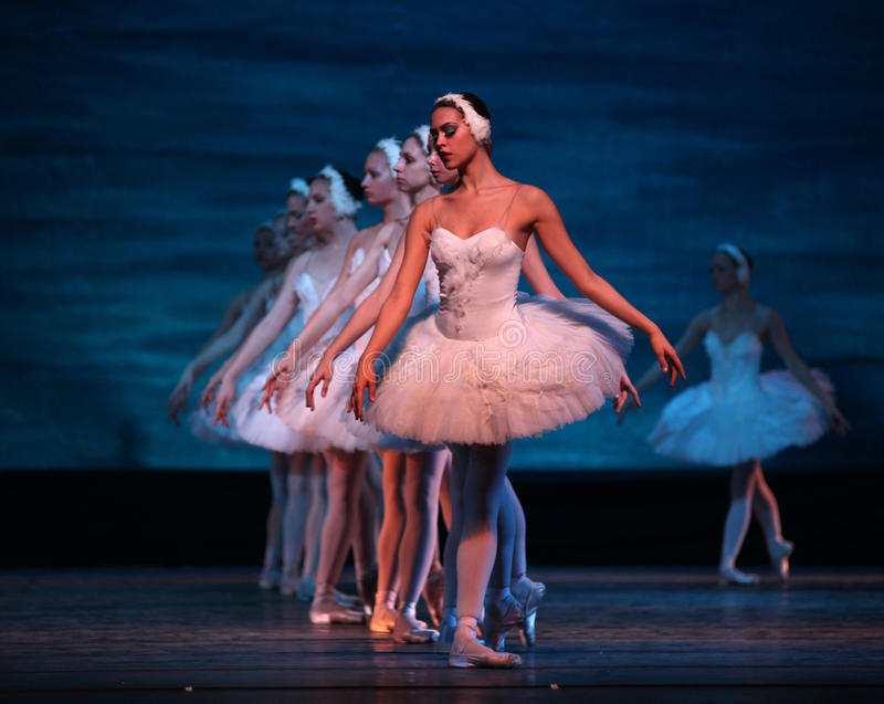 Het ballet van het Meer van de zwaan dat door Russisch Koninklijk Ballet wordt uitgevoerd stock foto's