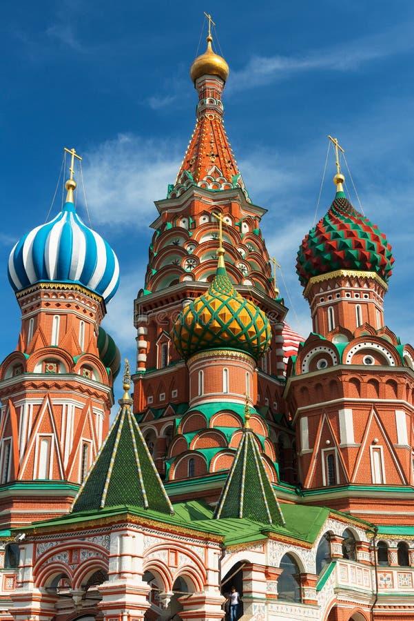 Het Basilicumkathedraal van heilige op het Rode Vierkant in Moskou, Rusland stock afbeeldingen