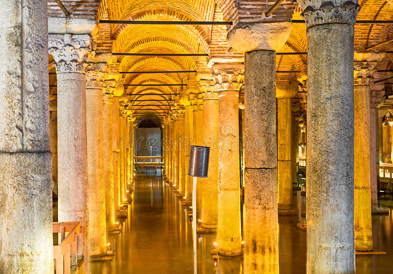 Het Basiliekreservoir royalty-vrije stock foto