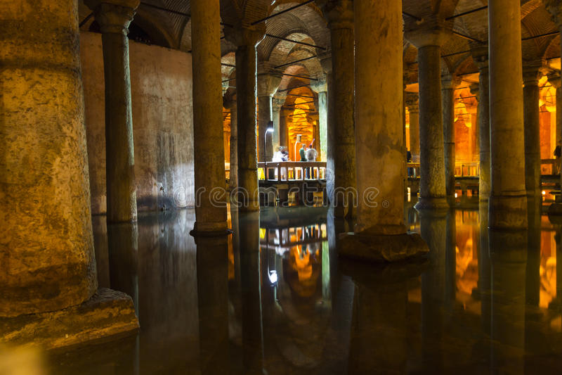 Het Basiliekreservoir (Yerebatan Sarnici) royalty-vrije stock fotografie