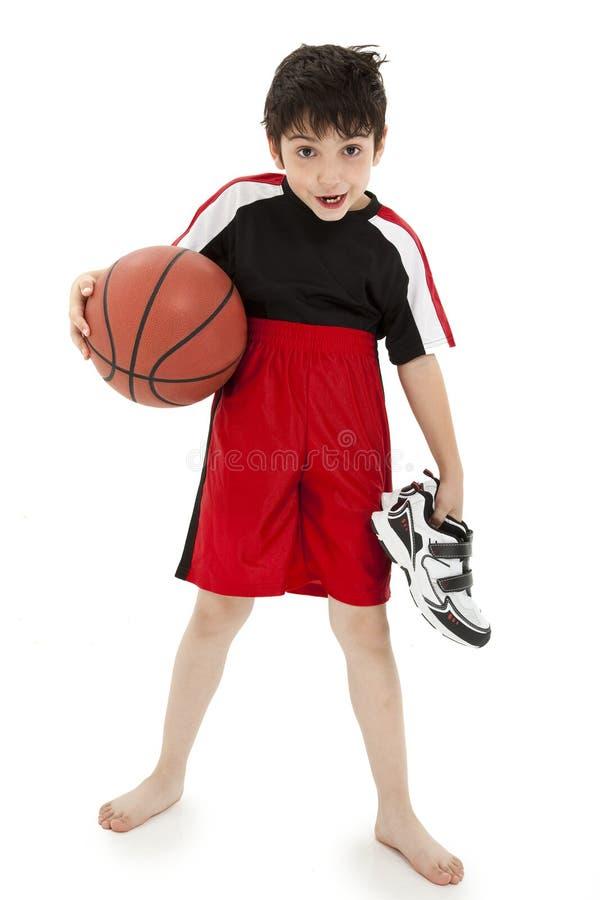 Het Basketbal dat van het Kind van de jongen Nerd speelt royalty-vrije stock foto