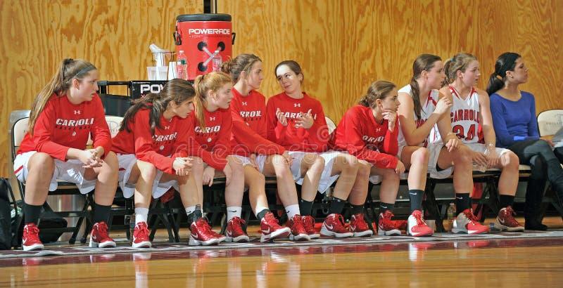 Het Basketbal van de Middelbare school van meisjes stock afbeeldingen