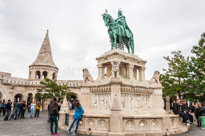 Download Het Bastion Van De Visser In Boedapest, Hongarije Redactionele Afbeelding - Afbeelding bestaande uit mensen, visser: 39112135