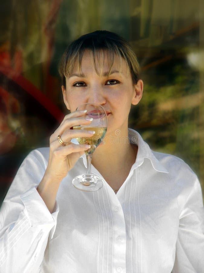 Het Bedrijfs Vrouw Ontspannen Royalty-vrije Stock Afbeeldingen