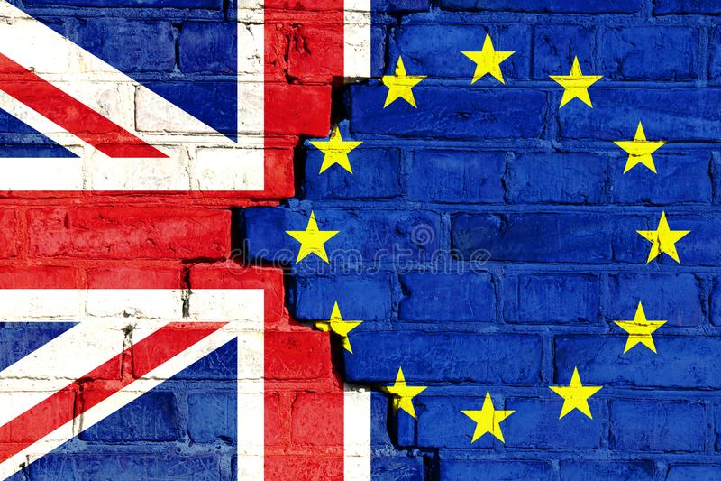 Het beeld van het Brexitconcept op een gebarsten bakstenen muur stock afbeeldingen