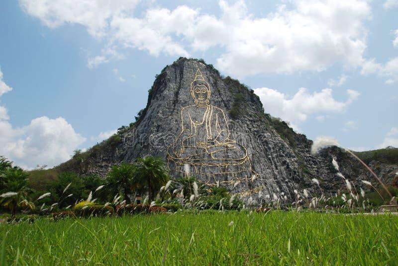 Het beeld van Chan Boedha van de Chi van Khao van Wat in berg stock afbeelding