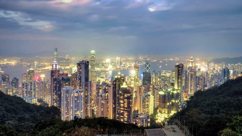 Het beeld van de nachtscène van Hong Kong-stadshorizon stock afbeelding