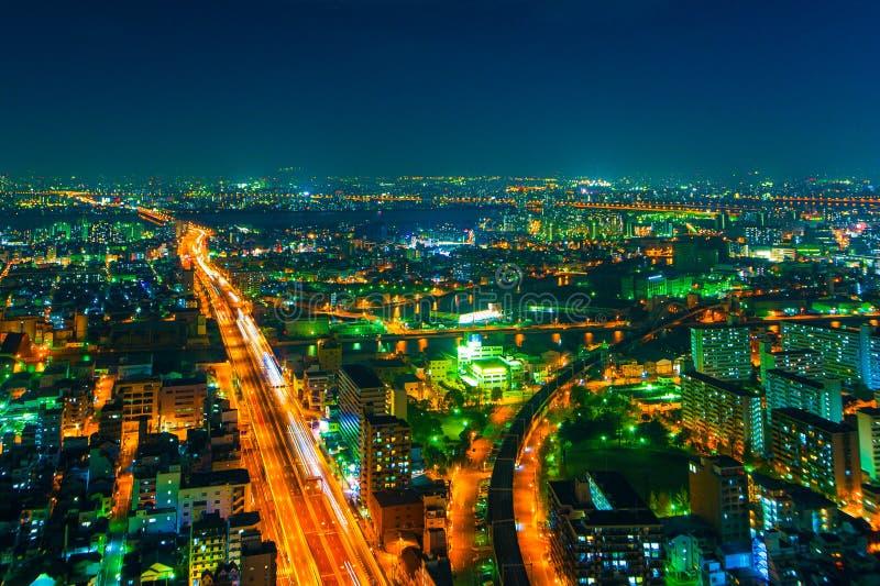 Het beeld van de nachtstad van de hoogte van een vogel` s vlucht royalty-vrije stock foto
