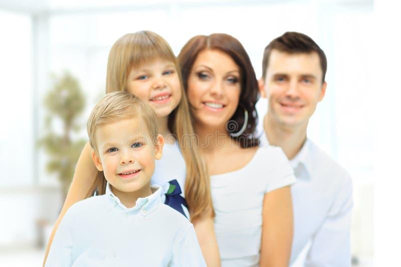 Het beeld van een gelukkige familie stock afbeeldingen