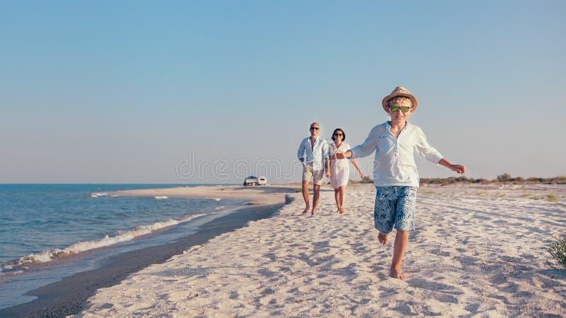 Het beeld van het de familieconcept van de levensstijlreis stock foto's