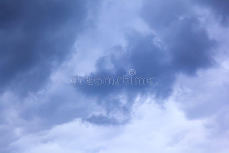 Het beeld van wolken in de hemel royalty-vrije stock afbeelding