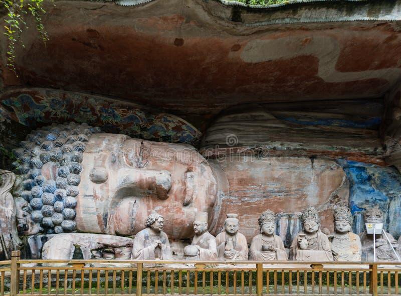 Het beeldhouwwerk van Boedha ging Nirvana bij Dazu-Rotsgravures bij in Onderstel Baoding of Baodingshan royalty-vrije stock afbeeldingen
