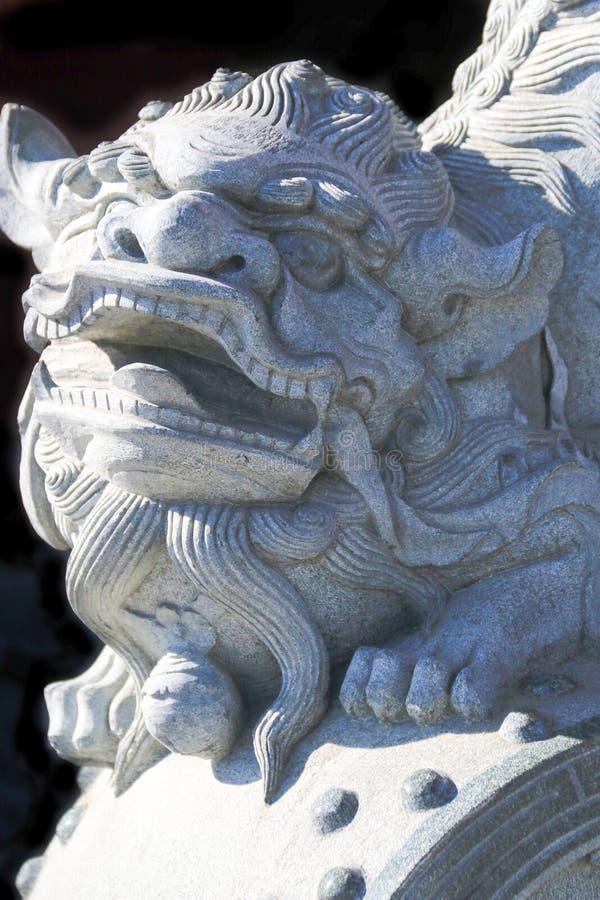Het beeldhouwwerk van de beschermerleeuw stock foto's